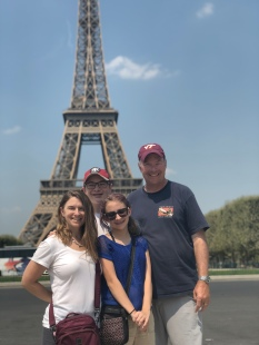 The Eiffel Tower family shot
